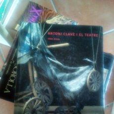 Libros antiguos: LIBRO GRAN TAMAÑO ANTONI CLAVE I EL TEATRE ED POLIGRAFA BUEN ESTADO. Lote 171976245
