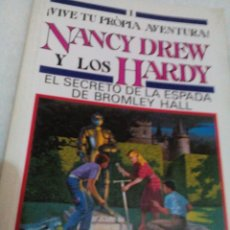 Libros antiguos: RCA__LIBRO/NANCY DREW Y LOS HARDY/EL SECRETO DE LA ESPADA DE BROMLEY HALL/13X19CM/TIENE 122PAGINAS. Lote 175801659