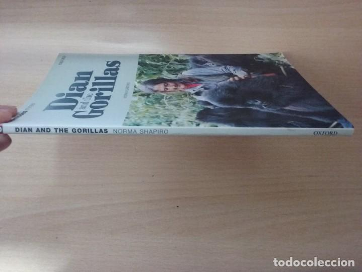 Libros antiguos: DIAN AND THE GORILLAS: A TRUE STORY - NORMA SHAPIRO DOMINOES THREE OXFORD - Foto 7 - 184267663