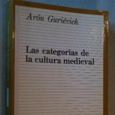 Libros antiguos: LAS CATEGORÍAS DE LA CULTURA MEDIEVAL. ARÓN GURIEVICH. Lote 192228500