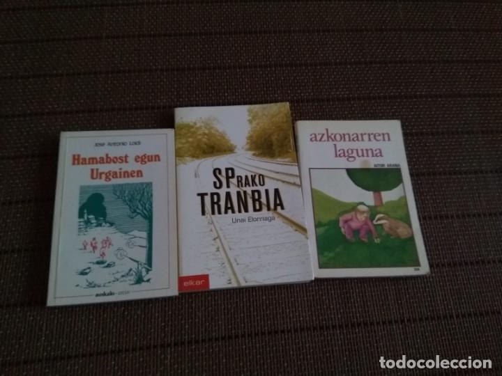 LOTE 3 LIBROS EUSKERA..SPRAKO TRANBIA....AZKONARREN LAGUNA HAMABOSTEGUN URGAINEN (Libros Antiguos, Raros y Curiosos - Ciencias, Manuales y Oficios - Otros)