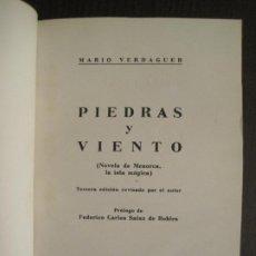 Libros antiguos: PIEDRAS Y VIENTO-MARIO VERDAGUER-MENORCA-VER FOTOS-(V-19.400). Lote 196801326