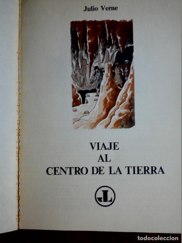 Libros antiguos: LIBRO ILUSTRADO VIAJE AL CENTRO DE LA TIERRA DE JULIO VERNE AÑOS 70 - Foto 2 - 196981201
