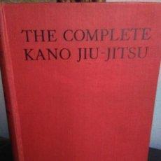 Livres anciens: THE COMPLETE KANO JIU-JITSU (JUDO) BY H. IRVING HANCOCK AND KATSUKUMA HIGASHI. MÁS DE 500 PLANCHAS. Lote 203076012