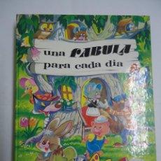 Livres anciens: UNA FABULA PARA CADA DIA. EDICIONES SUSAETA. AÑO 1979.. Lote 208655461