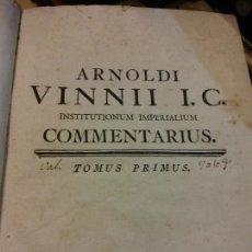 Libros antiguos: ARNOLDI VINNII I.C. INSTITUTIONUM IMPERALIUM COMMENTARIUS. TOMUS PRIMUS, SECUNDUS. DOS TOMOS. Lote 229176740