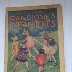 Libros antiguos: CANCIONES INFANTILES - RAMON SOPENA - ILUSTRADO POR JOAN LLAVERÍAS I LABRÓ.. Lote 246514575