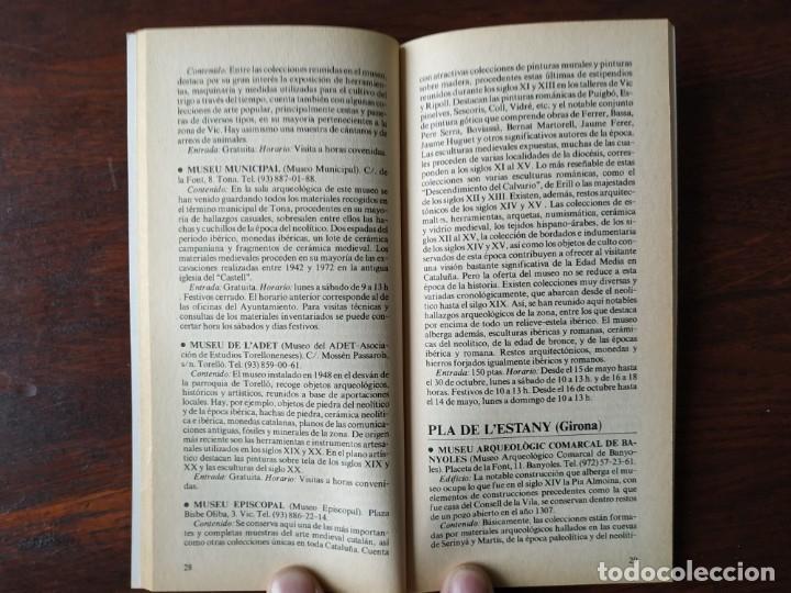 Libros: Dos guías de la colección La Vanguardia. Nº 8, Los museos de Cataluña II. Y nº 4, Las Inversiones, - Foto 6 - 185733593