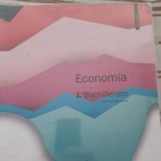 Libros: ECONOMÍA 1 DE BACHILLERATO MC GRAW HIL. Lote 229062705