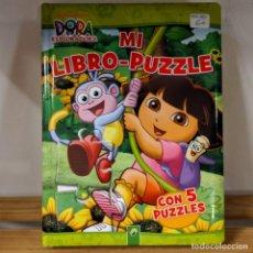Libros: PUZZLE EN FORMATO LIBRO DE DORA LA EXPLORADORA 5 PUZLES. Lote 293558288