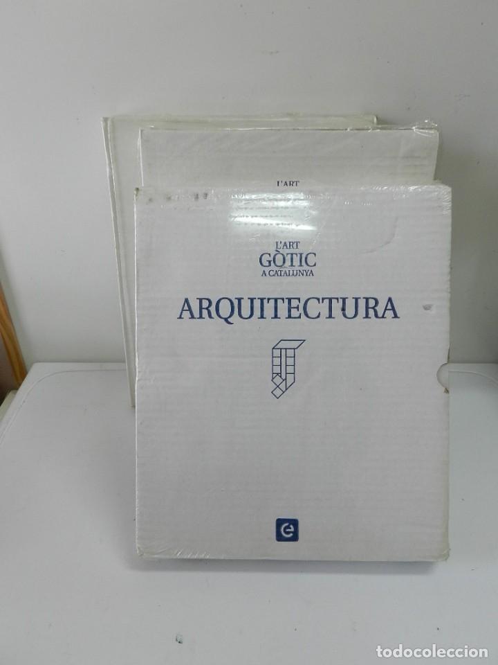 Libros: L'ART GÒTIC A CATALUNYA – ARQUITECTURA TRES VOLÚMENES ENCICLOPEDIA CATALANA PRECINTADOS - EN CATALÀ - Foto 3 - 172235877