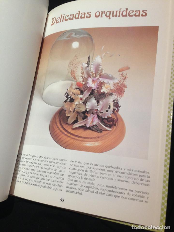 Libros: Enciclopedia de las manualidades.Pasta maiz. Año 1993. - Foto 2 - 192017145