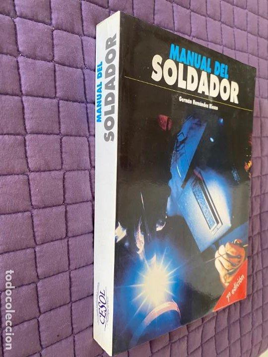 Libros: MANUAL DEL SOLDADOR GERMAN HERNANDEZ RIESCO - Foto 2 - 196773423