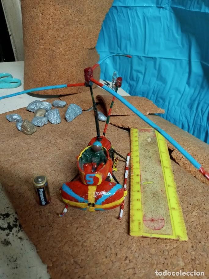 Libros: *Helicoptero Lgo-18 cm. hecho a pzas. reloj. Hélice alta va-pila LR1-*no vuela*4 fotos* Artesanía - Foto 2 - 202534802