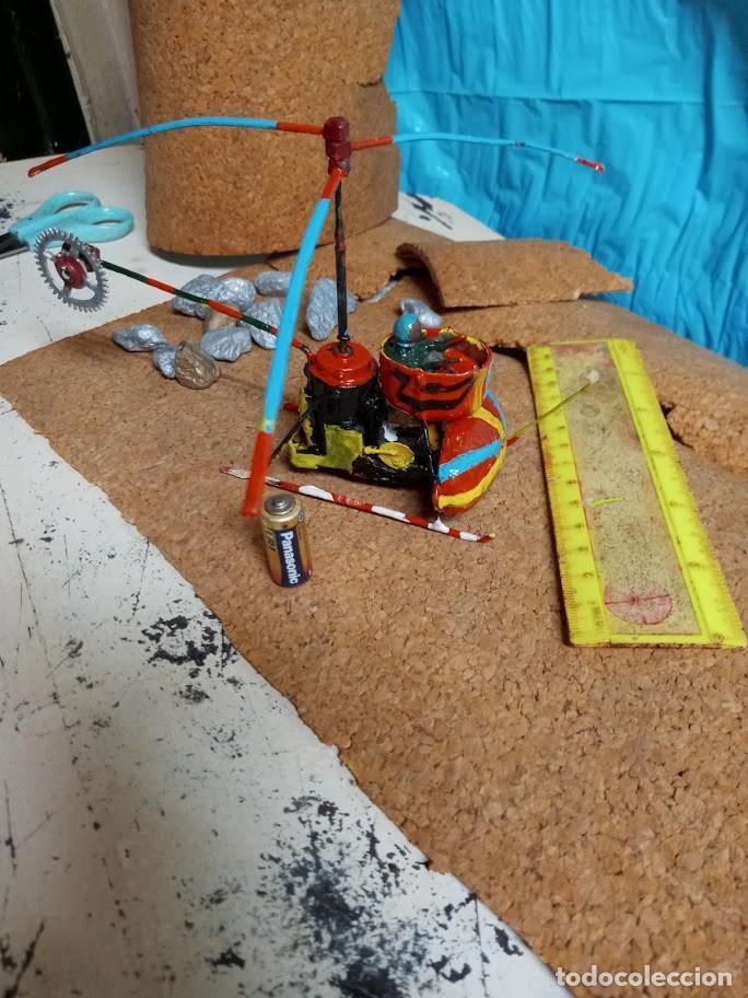 Libros: *Helicoptero Lgo-18 cm. hecho a pzas. reloj. Hélice alta va-pila LR1-*no vuela*4 fotos* Artesanía - Foto 4 - 202534802