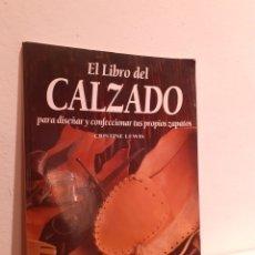 Libros: EL LIBRO DEL CALZADO. Lote 210006583