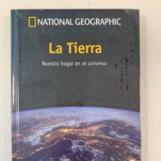 Libros: LA TIERRA, UN PASEO POR EL COSMOS NATIONAL G-NUEVO PRECINTADO. Lote 195928730