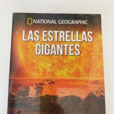 Libri: LAS ESTRELLAS GIGANTES COLECCIÓN ATLAS DEL COSMOS NATIONAL GEOGRAPHIC- NUEVO. Lote 265482674