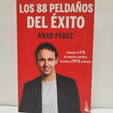 Libros: LOS 88 PELDAÑOS DEL ÉXITO DE ANXO PÉREZ. Lote 261630480