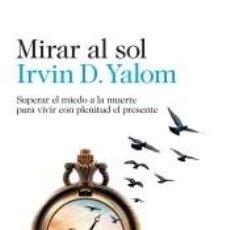 Libros: MIRAR AL SOL. Lote 293211738