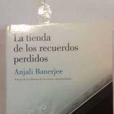 Libros de Aventuras: LA TIENDA DE LOS RECUERDOS PERDIDOS. ANJALI BANERJEE.. Lote 117618888
