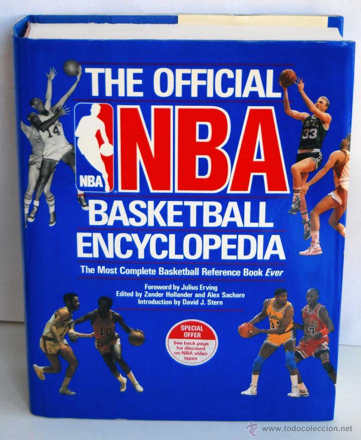 THE OFFICIAL NBA BASKETBALL ENCYCLOPEDIA ENCICLOPEDIA BALONCESTO OFICIAL DE NBA AÑO 1989 766 PAGINAS (Coleccionismo Deportivo - Libros de Baloncesto)
