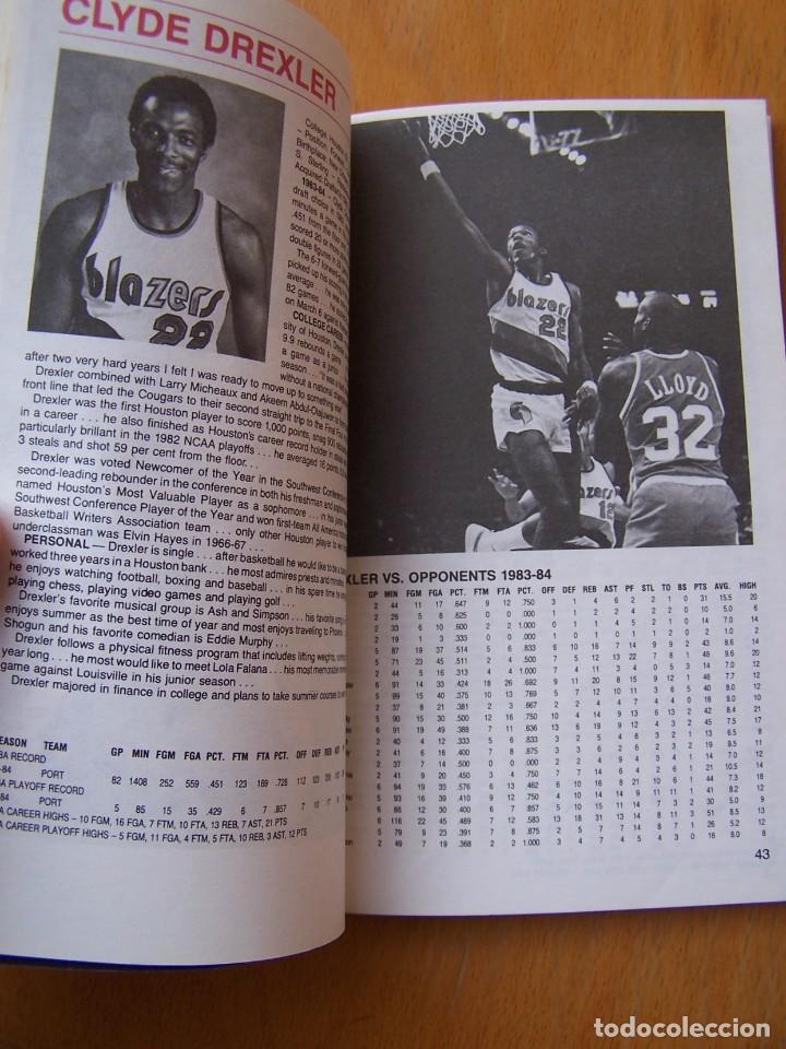 Coleccionismo deportivo: Portland Trail Blazers 1984-85 Baloncesto NBA Guía Anuario. Kiki Vandeweghe, Drexler, Norris - Foto 2 - 82169304