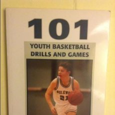Coleccionismo deportivo: 101 YOUTH BASKETBALL DRILLS AND GAMES - BRUCE EAMON BROWN -. Lote 91755185