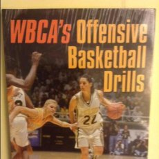 Coleccionismo deportivo: WBCA'S OFFENSIVE BASKETBALL DRILLS - WOMEN'S BASKETBALL COACHES ASSOCIATION -. Lote 91755730