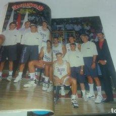 Coleccionismo deportivo: REVISTA DE GIGANTES DEL BASKET AÑO 1993 N° 407 PÓSTER REAL MADRID . Lote 165736554