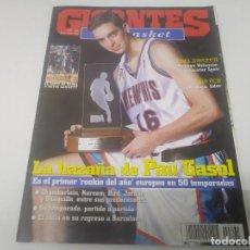 Colecionismo desportivo: REVISTA DE GIGANTES DEL BASKET AÑO 2002 N° 861 PAU GASOL POSTER ROOKIE KEVIN GARNETT . Lote 166572718