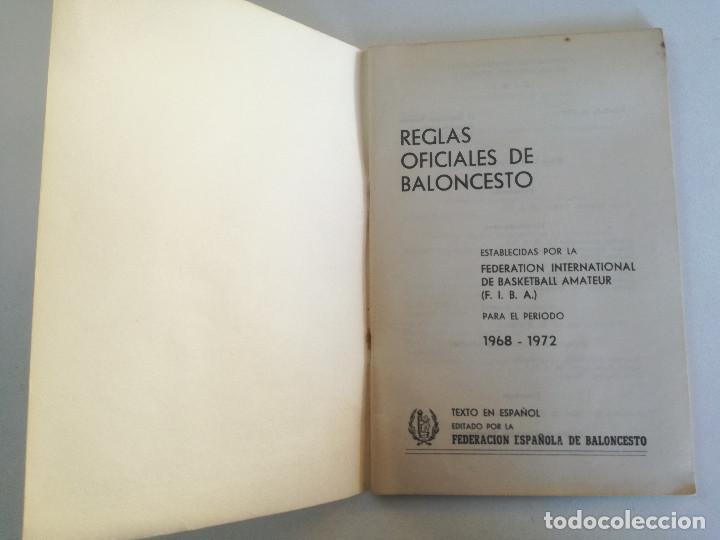 Coleccionismo deportivo: REGLAS OFICIALES DE BALONCESTO 1968-1972 - FEDERACION ESPAÑOLA DE BALONCESTO F.I.B.A. 1972 - Foto 2 - 189328190