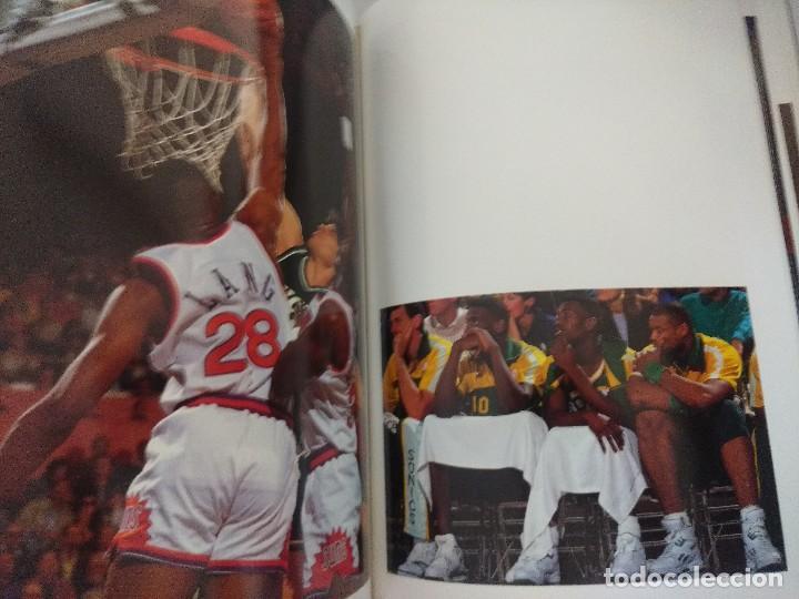 Coleccionismo deportivo: LIBRO BALONCESTO/ALREDEDOR DEL PARQUE/EDICION NUMERADA. - Foto 9 - 209347048