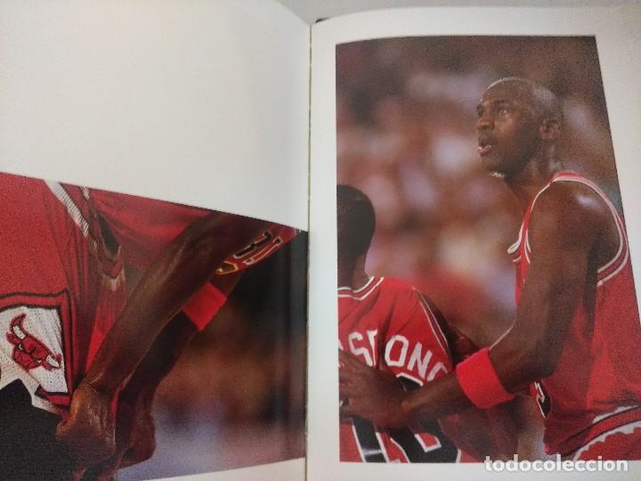 Coleccionismo deportivo: LIBRO BALONCESTO/ALREDEDOR DEL PARQUE/EDICION NUMERADA. - Foto 10 - 209347048