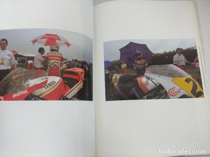 Coleccionismo deportivo: LIBRO MOTOCICLISMO/UN DIA EN LAS CARRERAS/EDICION NUMERADA. - Foto 5 - 209347373