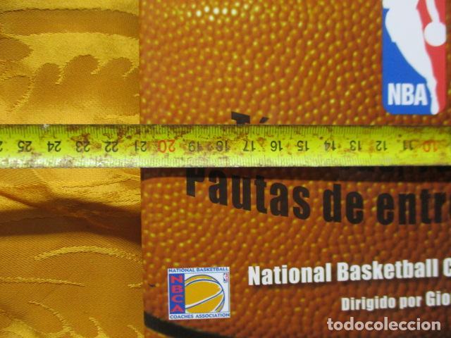 Coleccionismo deportivo: LIBRO DE JUGADAS DE LOS ENTRENADORES DE LA NBA - COMO NUEVO. - Foto 5 - 236247115