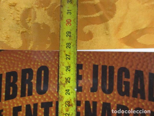 Coleccionismo deportivo: LIBRO DE JUGADAS DE LOS ENTRENADORES DE LA NBA - COMO NUEVO. - Foto 6 - 236247115