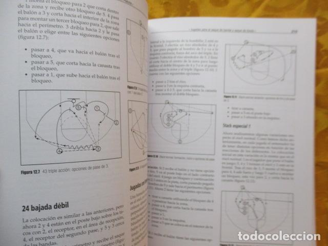 Coleccionismo deportivo: LIBRO DE JUGADAS DE LOS ENTRENADORES DE LA NBA - COMO NUEVO. - Foto 16 - 236247115
