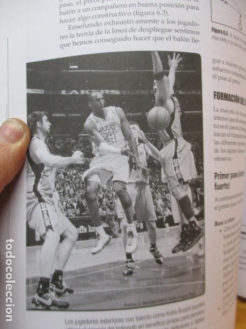 Coleccionismo deportivo: LIBRO DE JUGADAS DE LOS ENTRENADORES DE LA NBA - COMO NUEVO. - Foto 17 - 236247115