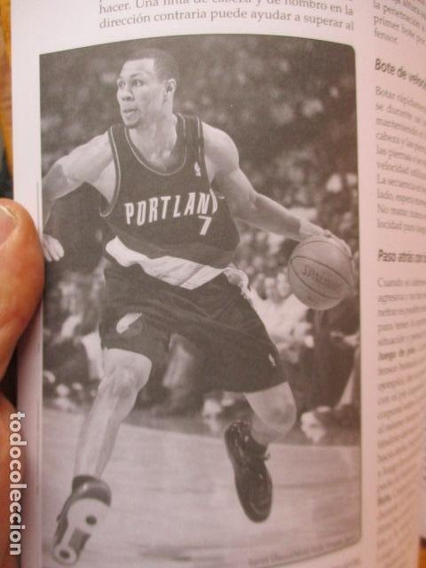 Coleccionismo deportivo: LIBRO DE JUGADAS DE LOS ENTRENADORES DE LA NBA - COMO NUEVO. - Foto 20 - 236247115