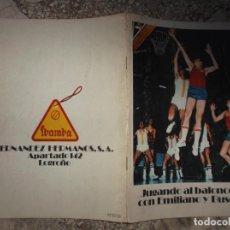 Coleccionismo deportivo: FOLLETO JUGANDO AL BALONCESTO CON EMILIANO Y BUSCATO, 28 PAGINAS CON DIBUJOS, 1975, 15 X 21. Lote 243569235