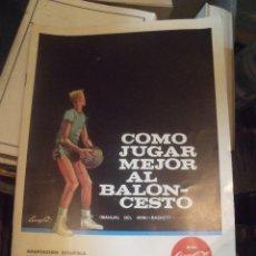 Coleccionismo deportivo: COMO JUGAR MEJOR AL BALONCESTO MANUAL DE MINI-BASKET OBSEQUIO COCA-COLA 1963. Lote 252574835