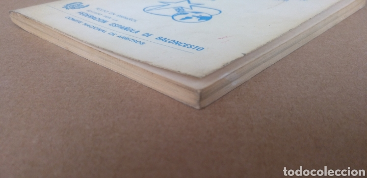 Coleccionismo deportivo: Reglas oficiales de baloncesto 1980 - 84 FIBA. Federacion española de Baloncesto. Libro - Foto 14 - 253422080