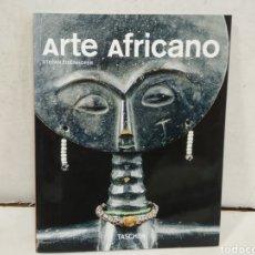 Libros: LIBRO ARTE AFRICANO DE TASCHEN.96 PAGINAS. Lote 209063541