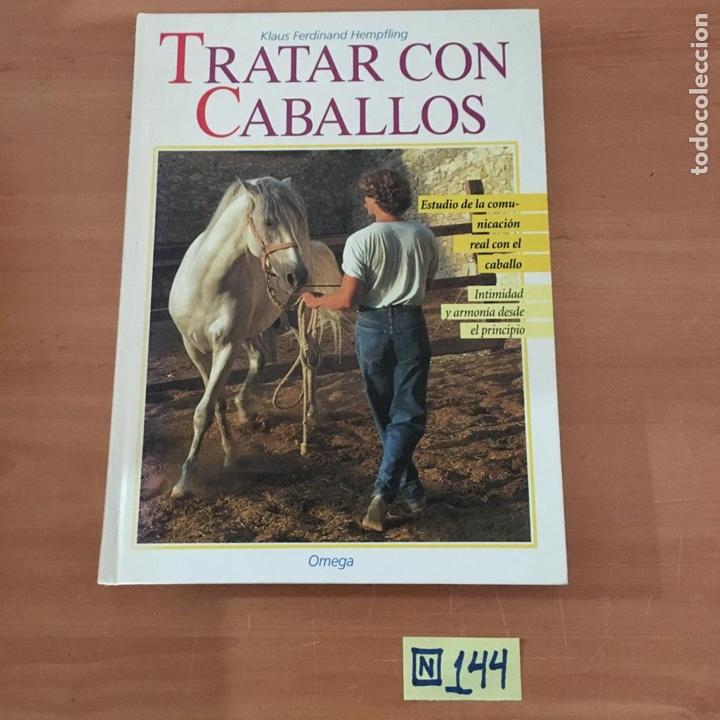 TRATAR CON CABALLOS (Libros Nuevos - Bellas Artes, ocio y coleccionismo - Otros)