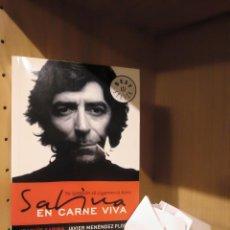 Libros: SABINA 'EN CARNE VIVA' - JOAQUÍN SABINA Y JAVIER MENÉNDEZ - DEBOLSILLO. Lote 185706660