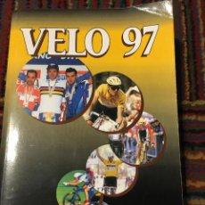Coleccionismo deportivo: VÉLO 97 - HARRY VAN DEN BREMT ANUARIO CICLISTA. Lote 270214598