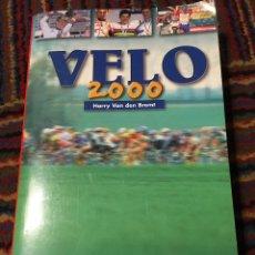 Coleccionismo deportivo: VÉLO 2000 - HARRY VAN DEN BREMT ANUARIO CICLISTA. Lote 270214953