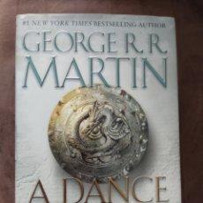 Libros: A DANCE WITH DRAGONS GEORGE RR MARTIN DANZA DE DRAGONES EN INGLÉS. Lote 193319165