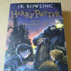 Libros: HARRY POTTER AND THE PHILOSOPHER'S STONE (PENGUIN BOOKS). Lote 212987775